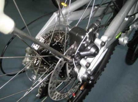 как настроить дисковые тормоза на велосипеде фото